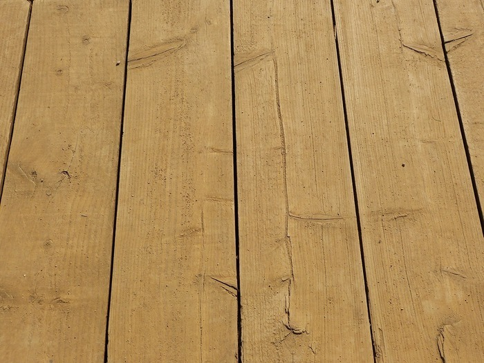 Image for 5 Factors When Choosing Wood or Composite Decking